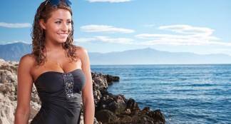 Maillot de bain grande taille : vos formes magnifiées sur la plage cet été